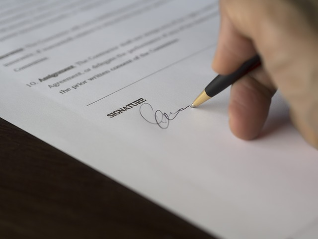 Los contratos de menos de siete días triplican a los indefinidos