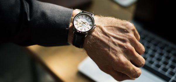 El control horario en las empresas aflorará las horas extra: qué son y cómo se pagan