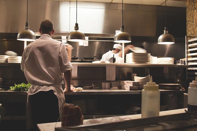 Un juez concede una incapacidad permanente absoluta a una cocinera con fibromialgia