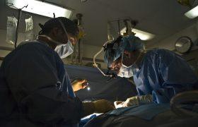 Se reconoce el subsidio de incapacidad temporal a una persona operada de los ojos con láser en una clínica privada